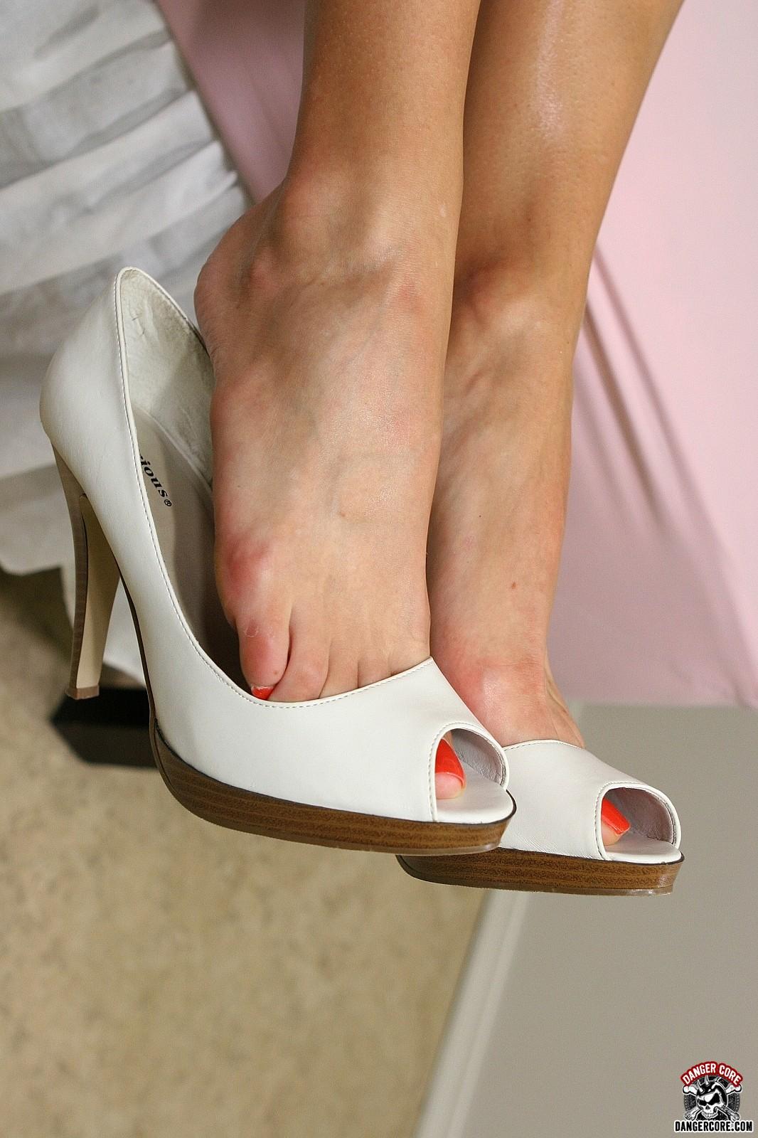 Kimberly kole foot fetish